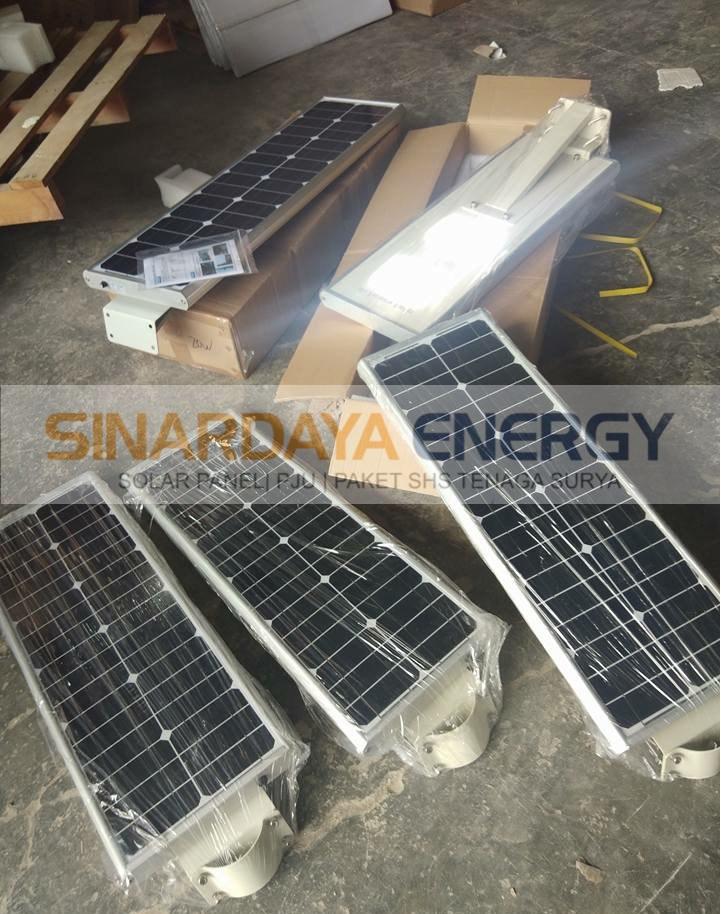 harga Lampu tenaga surya all in one 30watt