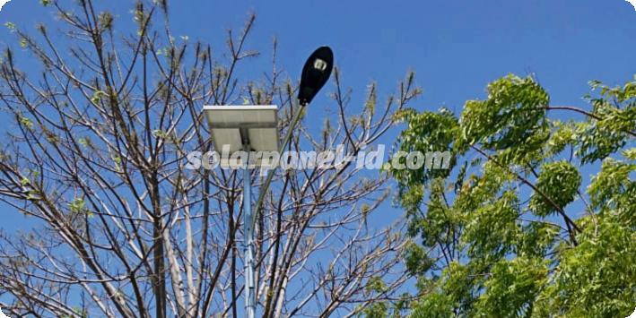 lampu jalan tenaga surya papua