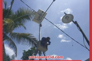Harga Paket PJU Solarcell 50 watt Satu Set Terbaru | Lampu PJU Tenaga Surya 50 w
