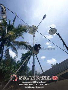 Lampu PJU Tenaga Surya 50watt Satu Set