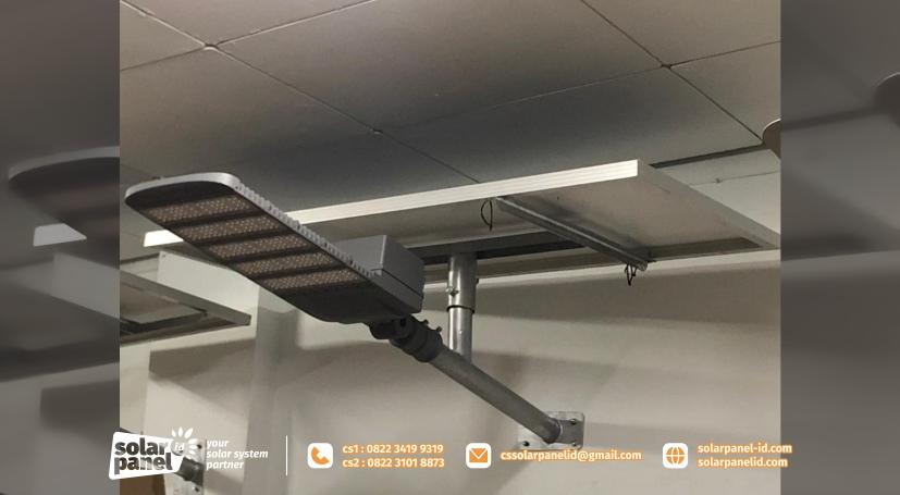 jual lampu pju solarcell 2in1 100 watt satu set murah